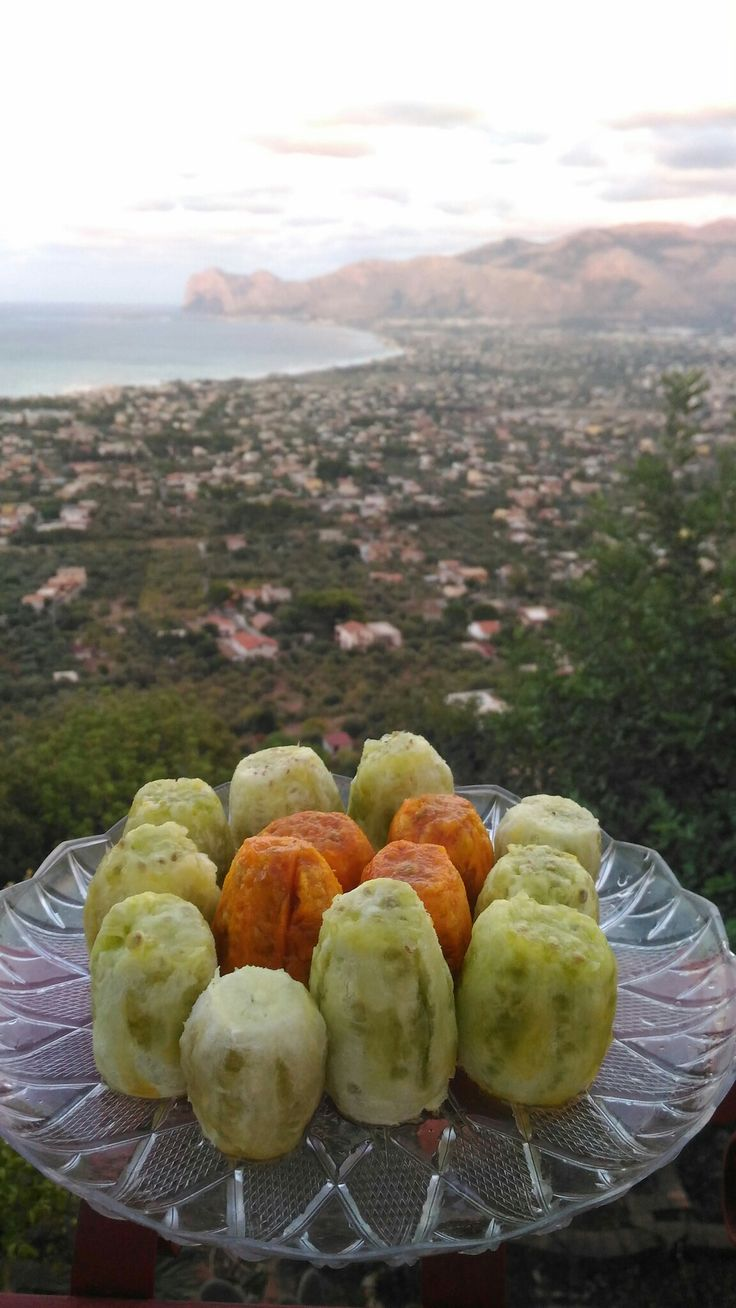 Time to enjoy #sicilian prickly pears!