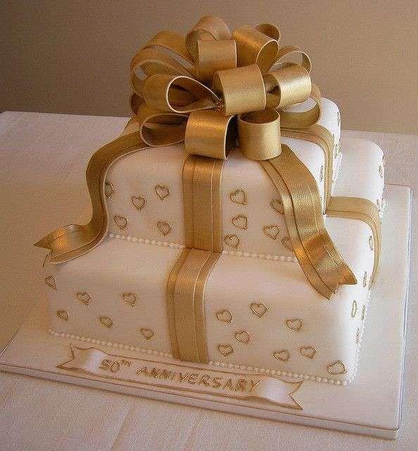 Anniversario di matrimonio: le torte più belle - 50 anni di matrimonio torta a forma di pacchetto