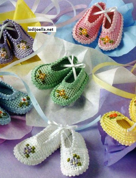 ZAPATITOS EN PANAMINA PARA BABY SHOWER | Aprender manualidades es facilisimo.com