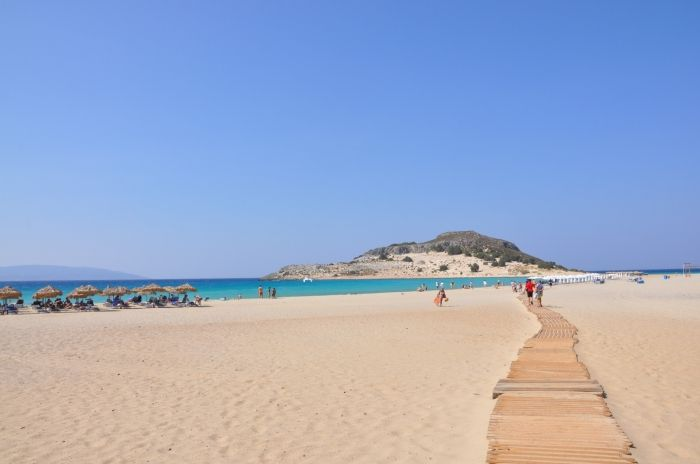 Your way to Simos beach