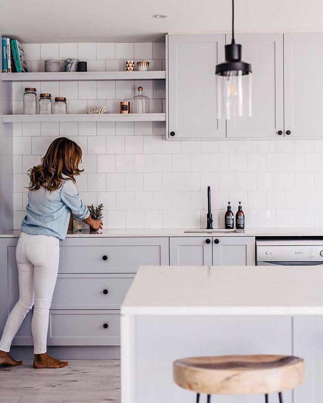 25 Best Ideas About Modern White Kitchens On Pinterest: 25+ Best Ideas About 10x10 Kitchen On Pinterest