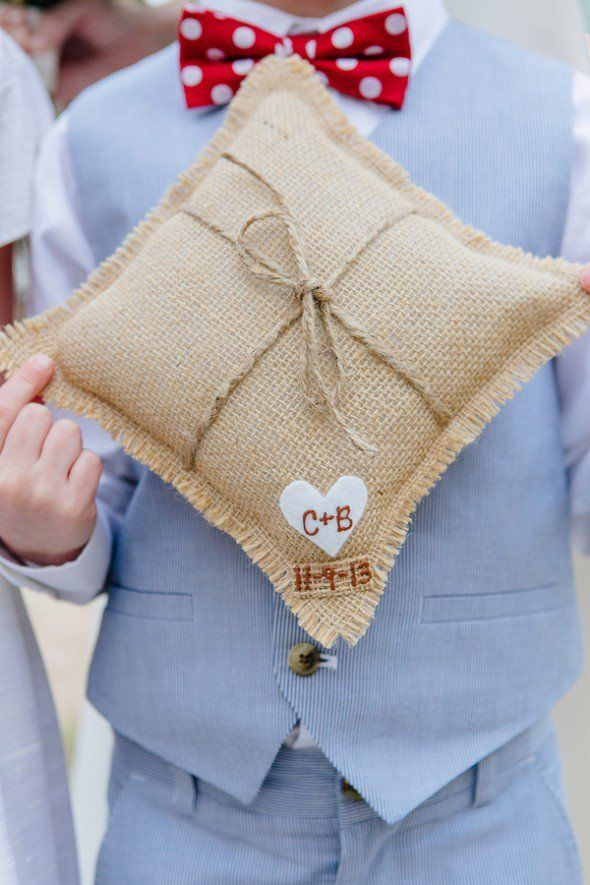Burlap Ring Pillow - From 10 Great Ways To Use Burlap At Your Wedding