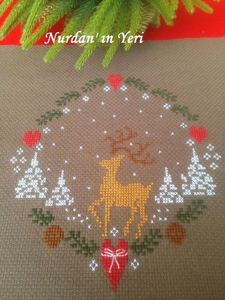Nurdan' ın Yeri - A Cross Stitch Blog: Reindeer Versus Red / Geyik ile Kırmızı Karşılaştığında...