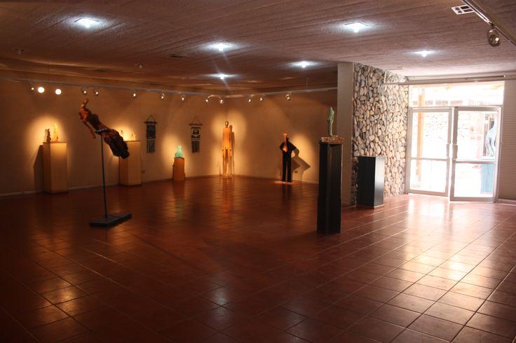 Exposición de George Nobl en la Sala Lagar (de Exposiciones Temporales) del Museo Gabriela Mistral de Vicuña.