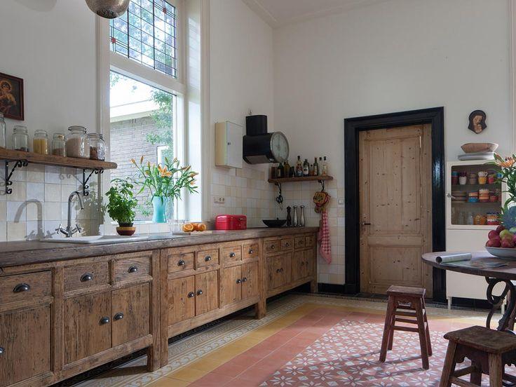 Landelijke keuken van oud hout via RestyleXL