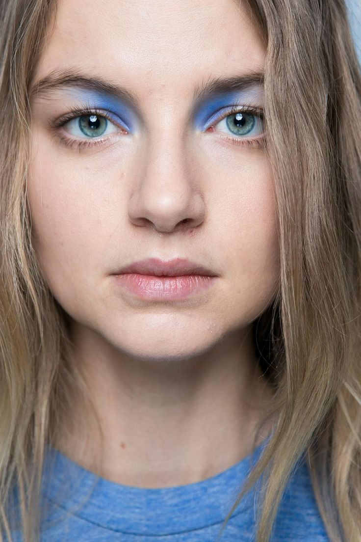 13 Must-See Beauty Trends from Milan Fashion Week Spring 2016 | Blue shadow in the inner corner of the eyes at Anteprima. | @StyleCasterBeauty
