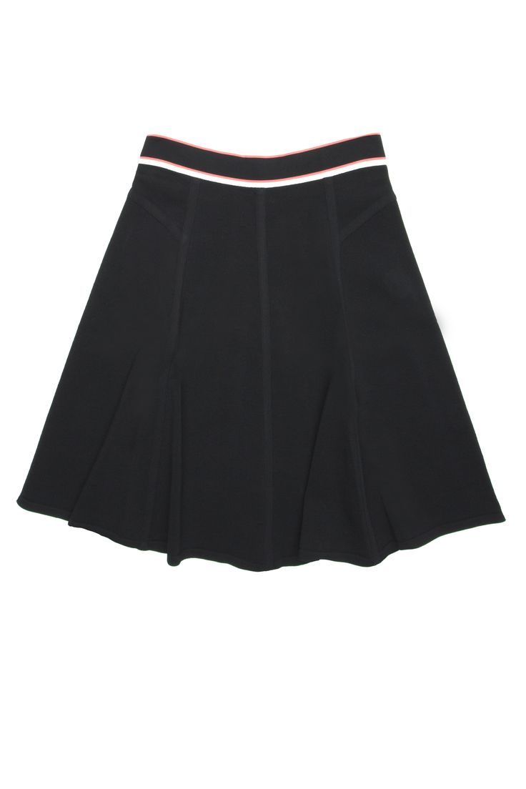 Jupe évasée de tricot taille rayée / Flare knitted skirt with striped waist https://www.tristanstyle.com/en/femmes/jupes/jupe-evasee-de-tricot-taille-rayee/12/fv080c0937z/