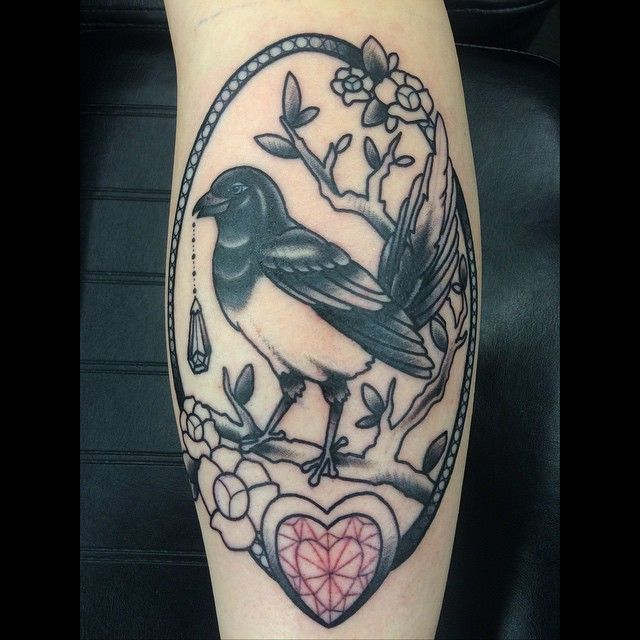 Traditional magpie tattoo - photo#30