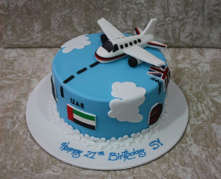 Best 25 airplane cakes ideas on pinterest airplane for Airplane cake decoration
