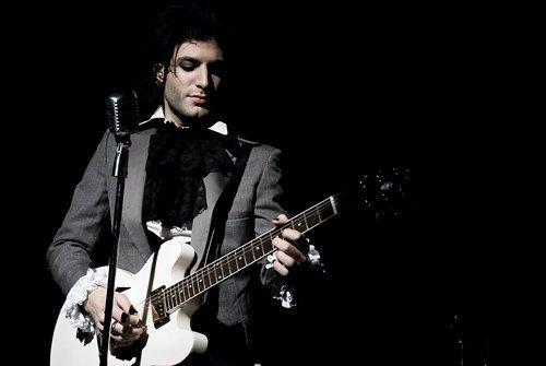 Daniel Victor - Neverending White Lights