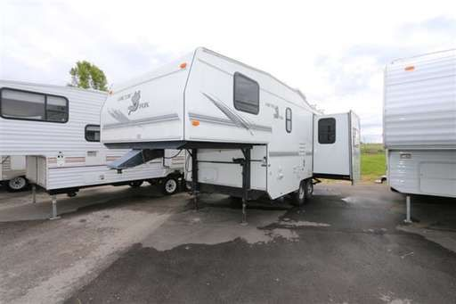 Check out this 2001 Northwood Manufacturing Arctic Fox 23-5A listing in Meridian, ID 83642 on RVtrader.com. It is a  Fifth Wheel and is for sale at $11995.