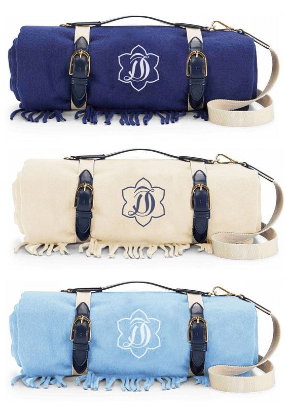 Love these monogrammed picnic blankets