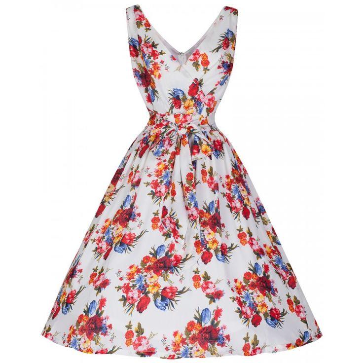Šaty Lindy Bop Josephine English Flower Šaty ve stylu 50. let. Krásné šaty v bílém provedení s květinovým vzorem, které využijete na svatby, zahradní oslavy nebo teplé letní dny. Jsou z velmi lehkého a vzdušného materiálu, příjemně splývavého s lehkou podšívkou, aby neprosvítaly (100% polyester, podšívka 90% polyester, 10% elastan). Užší ramínka, vpředu překřížené ve výstřihu do tvaru V, vzadu také vykrojené a opatřené krytým zipem. V pase je širší vázačka, která zdůrazní pas (volně), sukně…