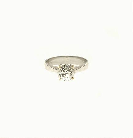 ANELLO SOLITARIO, ITALIA - oro bianco, giallo e diamante - #2 ASTA ONLINE Gioielli del Novecento - Lotto n. 50 #ring #solitaire #carat #giftforher #wintertale #love #diamond #gift #florence #jewelry #forever #anniversary #ringbridal #ringwedding #classic