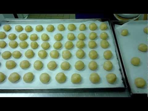 Biscotti Bicolore di Pasta Frolla - Come fare i Frollini : Ricette dolci e Cucina - YouTube