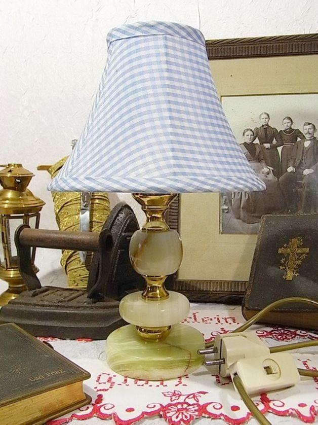 *verspielter Chippendale Stil der 70er Jahre*  Onyx, Messing, hellblau & weiß karierter Stoff Lampenschirm, goldenes Kabel, Fassung für eine Kerzenbirne, funktionsfähig, Lieferung ohne...
