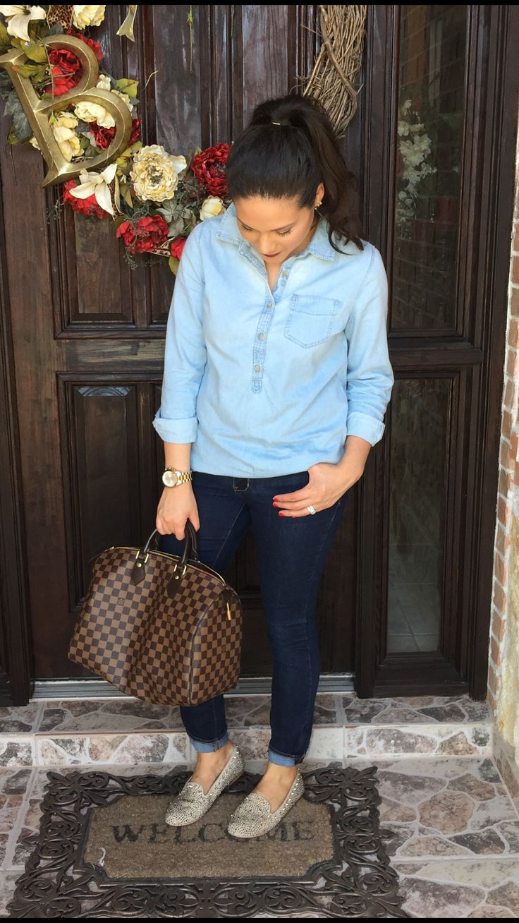 Late summer outfit | ideas | chambray shirt | jeans | skinny | dark wash | loafers | Steve Madden | studded | Louis Vuitton | Damiere ebene | speedy 35 | mommy outfit