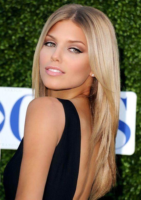 Anna Lynn McCord from 90210. Beautiful, blonde, stunning.