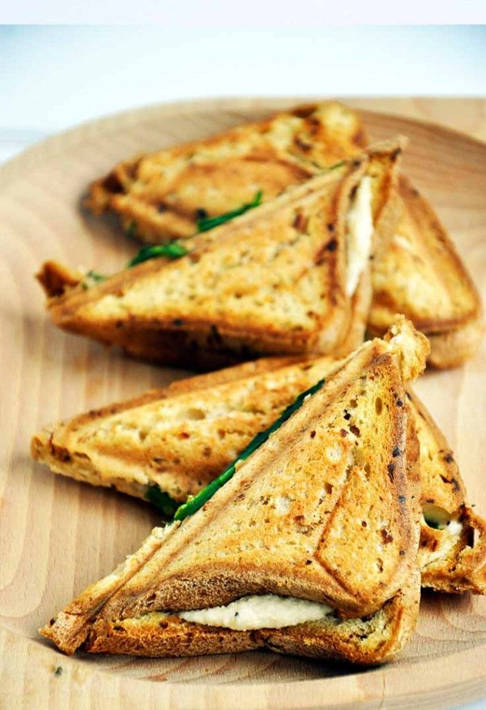 These gluten-free grilled vegan cheese sandwiches are super-easy to make, budget-friendly, healthy and most important of all – the vegan cheese actually melts!