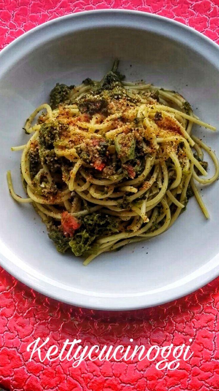 Spaghetti con cima di rapa e acciughe