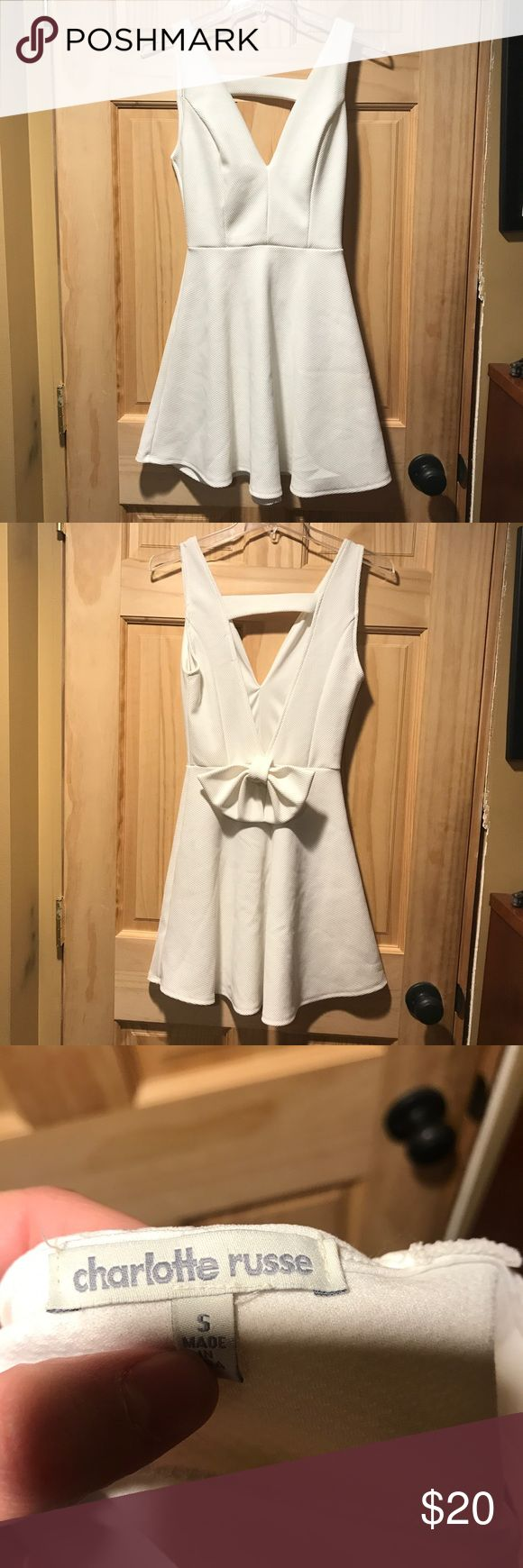 [Charlotte Ruuse] White dress Size small. V cut dress, with a deep v in the back as well. Has a super cute bow on the back and there are no visible flaws! Charlotte Russe Dresses