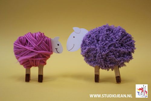 Woolly Sheep Craft - perfect decoration for your Easter table! With pom poms everywhere this month, our eyes were drawn to this little cuteWoolly Sheep Craft, I think the choice of the wool colour makes all the difference when it…