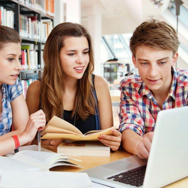 Aprende Inglés en sólo 5 minutos al día. Sin costo. ¡Disfruta lecciones de inglés GRATIS todos los días!