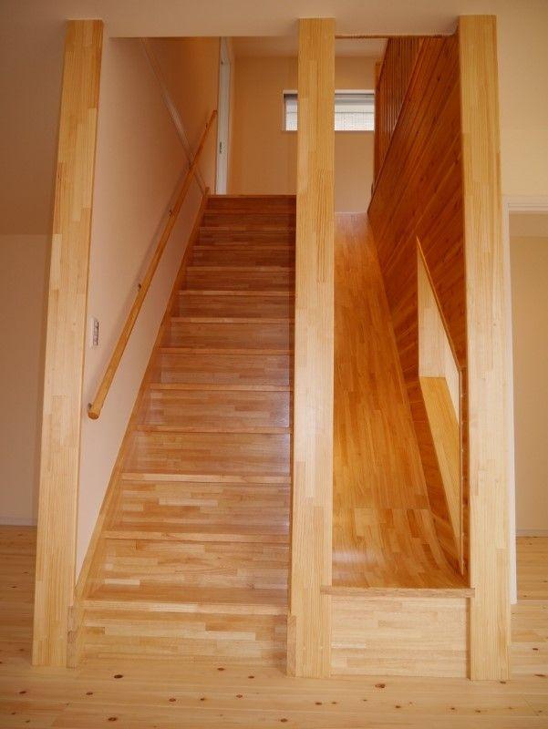家の中心の階段と滑り台!! 中心でもとても明るい!