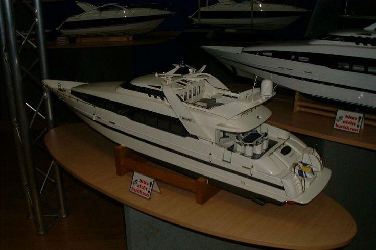 rc model boats | RC-Model of Moonraker - Boat Design Net Gallery