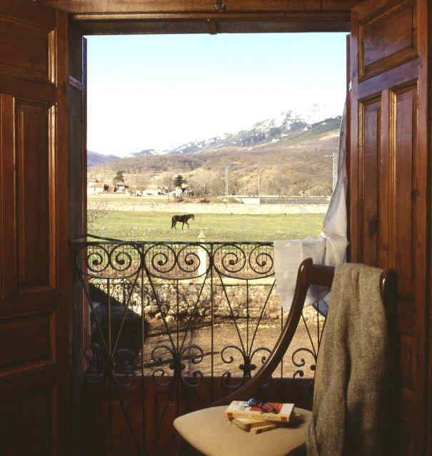 Fotos de Casa Rural de Campoo - Casa rural en Naveda (Cantabria) http://www.escapadarural.com/casa-rural/cantabria/casa-rural-de-campoo/fotos#p=0000000076692