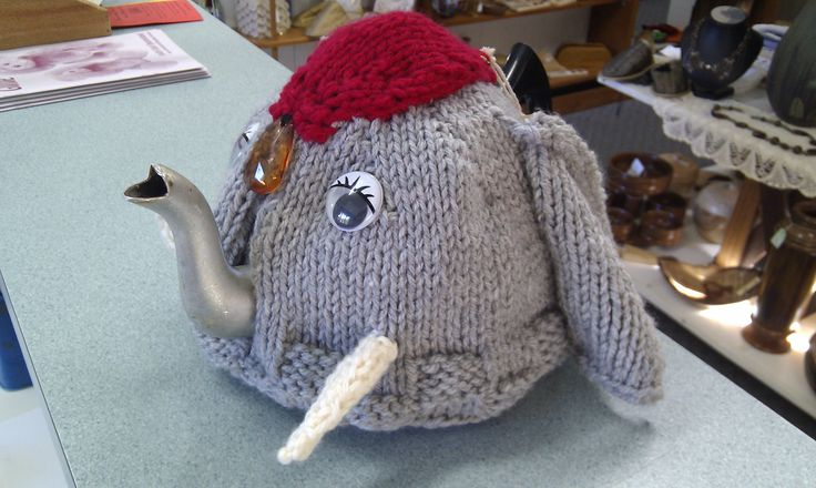 Know someone who is mad about elephants? Check out this cute tea cosy. (Sept 2013)