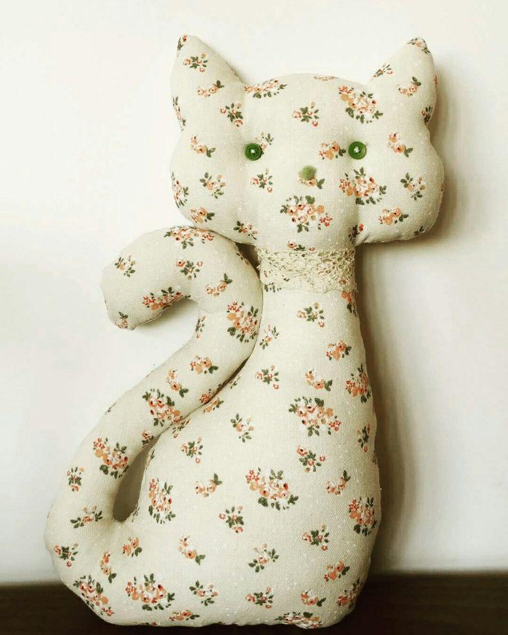 Cat decorating pillow - made by PandaLav Design
