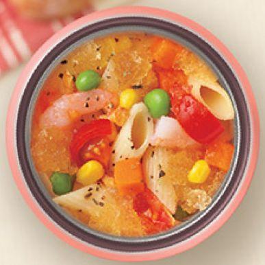 朝、具材を入れてお昼にはお粥やパスタが楽しめちゃうスープジャー。あつあつの状態でお弁当が食べられるので秋冬にはもちろん、エアコンで以外に冷える夏のランチにも活躍してくれます。そして保温だけではなく、保冷もできるのがスープジャー。基本のあったかレシピはもちろん、夏にピッタリの冷たいメニューからスイーツまで、スープジャー活用レシピをまとめてみました。