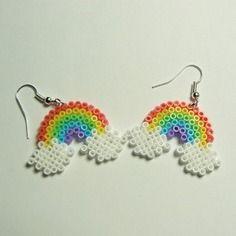 Boucles d'oreilles pendantes arc en ciel perle hama / perler beads