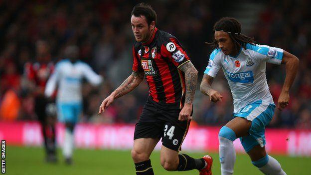 Lee Tomlin: Bristol City sign Bournemouth midfielder on loan