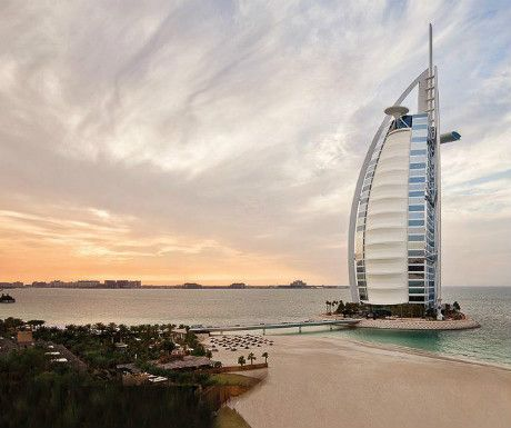Ever wondered what it was like inside this iconic #Dubai landmark? @luxury_travel has been!