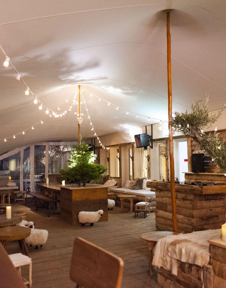 Le décor du Perchoir Marais, le rooftop du BHV MARAIS, ouvert les soirs du jeudi au samedi