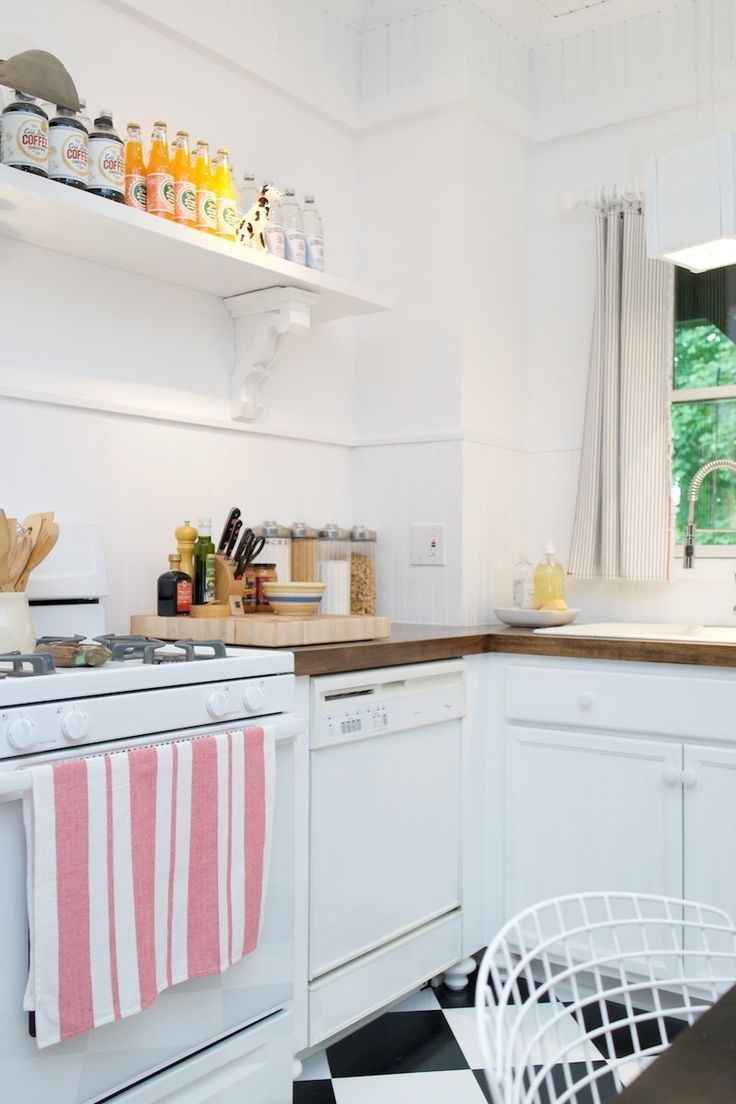And bright kitchen update the little things apartment therapy - Chris Roger S Vivacious 160 Year Old Victorian