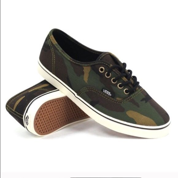 NIB Vans Lo Pro Camo Sneaker New in box without top. Men's 5, Women's 6.5. Vans Shoes Sneakers