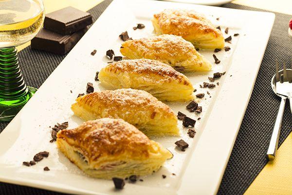Apetisant: Foietaj cu ciocolata si zmeura   papalapap