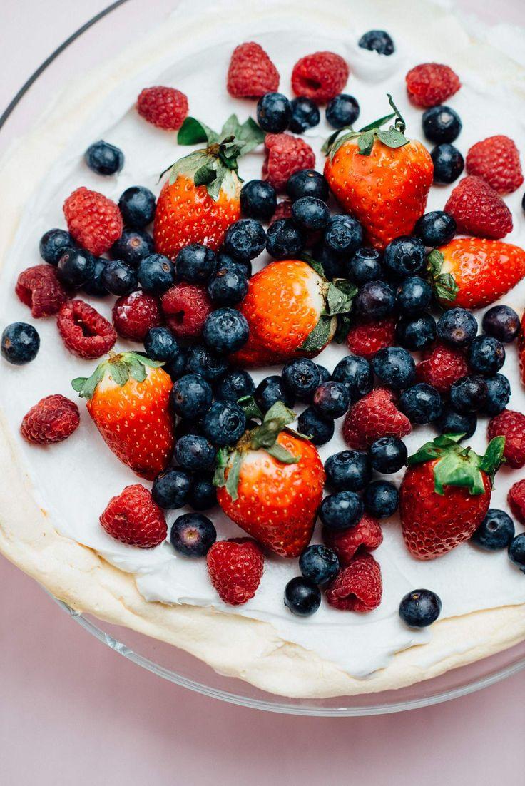 VEGANSK PAVLOVA - helt uten mel, melk eller egg! Oppskrift på vegetarbloggen!