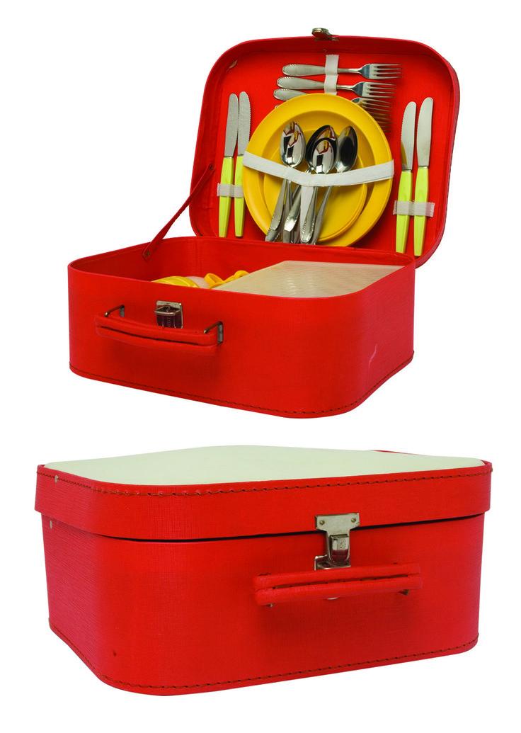 1970 -Une valise de picnic, années soixante-dix, collection privée © Solo-Mâtine
