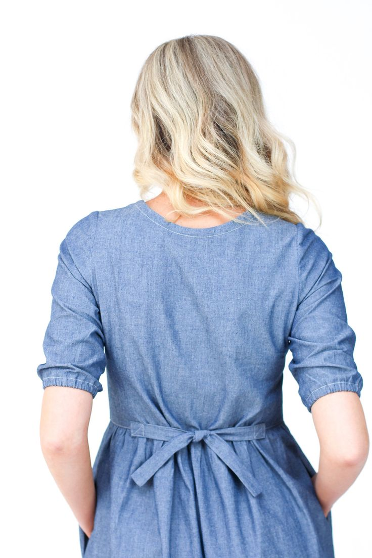 Darling Ranges dress sewing pattern by Megan Nielsen has an adjustable waistline that can be brought in with ties in the back