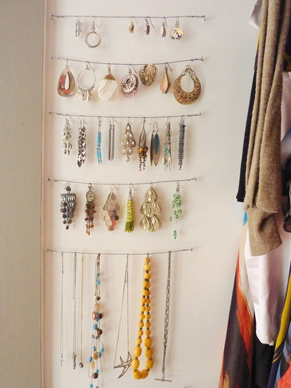 Even I could do this :)Jewelry Hangers, Jewelry Storage, Closets Design, Organic Ideas, Command Hooks, Diy Jewelry, Jewelry Organic, Jewelry Holders, Jewelry Organization