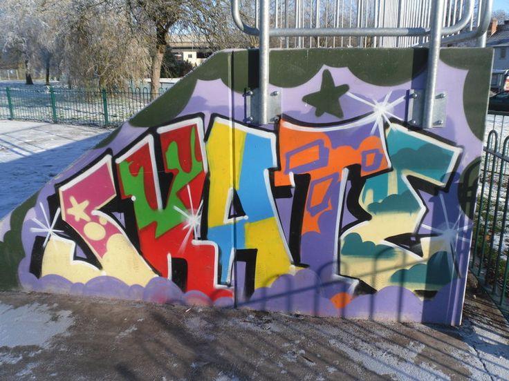 http://img02.deviantart.net/0c35/i/2010/344/5/a/skate_park_graffiti_art_2_by_poeticalkrissie-d34lllt.jpg