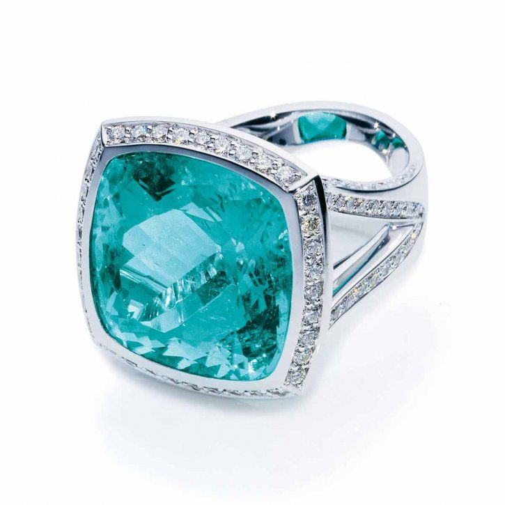 Like a mermaid ring: Paraiba Tourmaline Cushion ring in 18 carat white gold by Tamara Comolli