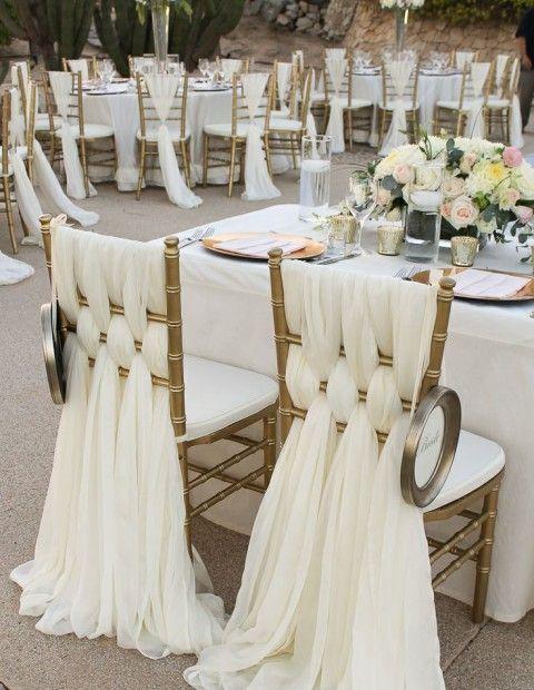 chaises de maries drapes blancs