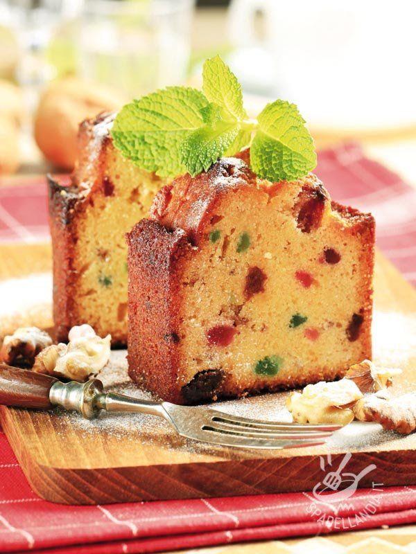PLUM CAKE WITH CANDIED FRUIT Il Plum Cake è un dolce di origine inglese e si chiama così perché anticamente tra i suoi ingredienti principali c'erano le prugne (plum) secche. #plumcake #candiedfruitplumcake