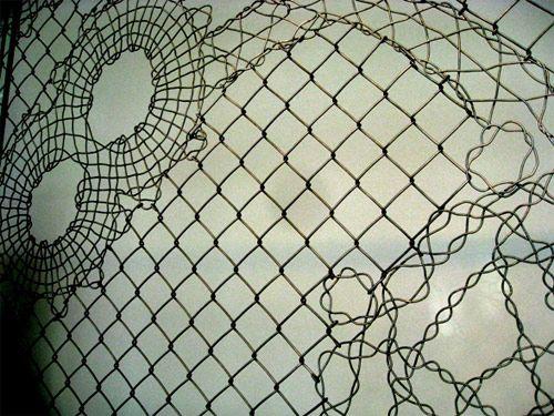 mundane made beautiful. fence art by Demakersvan