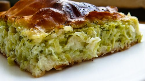 And yes yet another greek pie! Grated zucchini pie ( Kolokithopita ).
